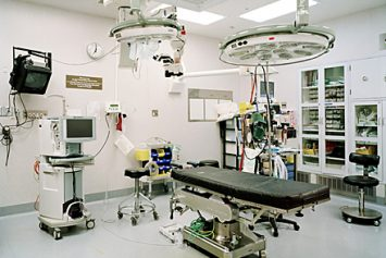 operating-department-care-skills-5N3767-by-the-open-college